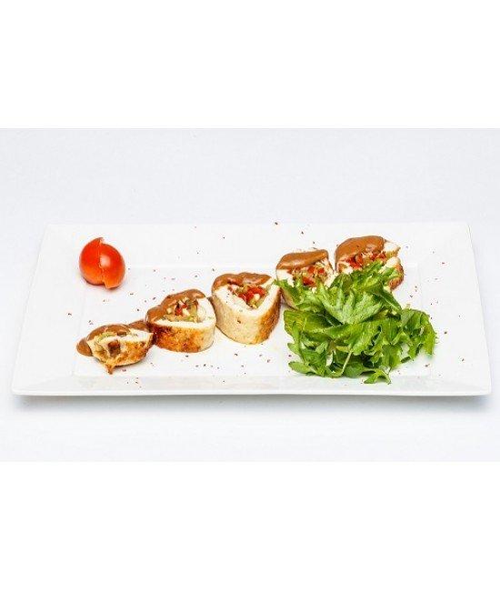 Горячее из птицы - Рулет куриный с овощным миксом
